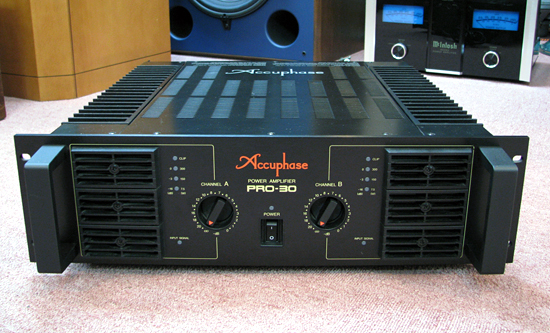 Accuphase PRO-30 アキュフェーズ 業務用パワーアンプ写真