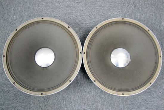 JBL D130 38cmコーン型ワイドレンジスピーカーユニット写真